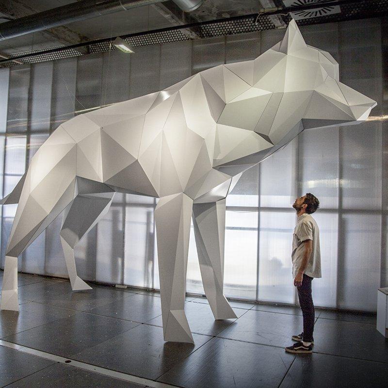lobo-carton-gigante-wolf-cardboard-eventos-madrid